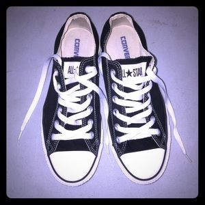 Converse sneakers 7.5 women's/5.5 men's